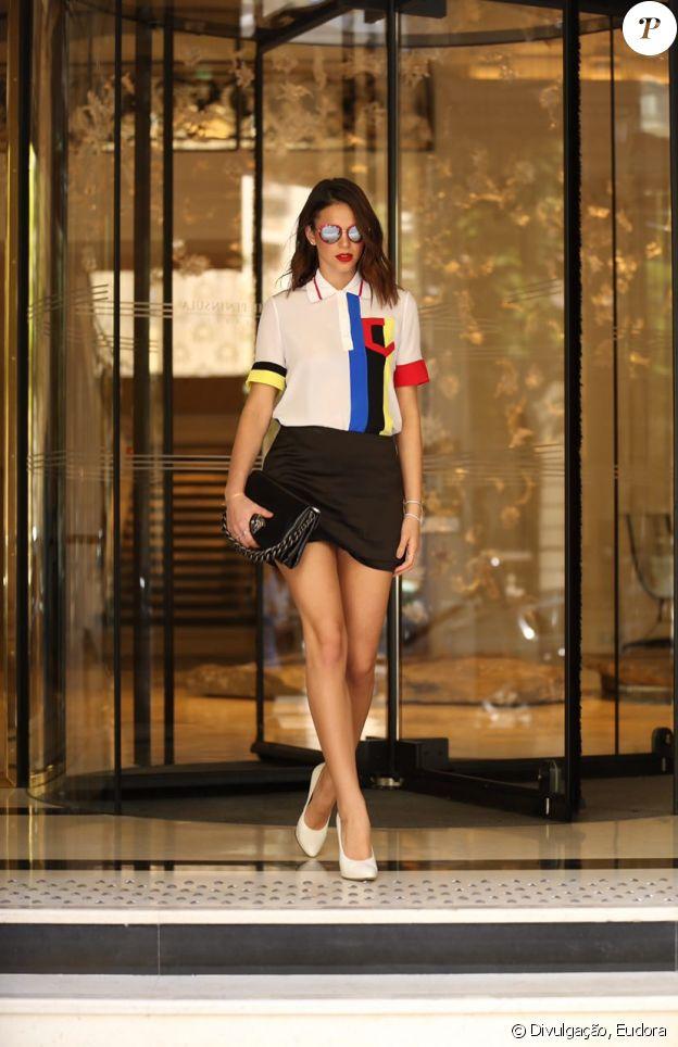 Bruna Marquezine foi convidada pela marca de cosméticos Eudora para prestigiar a semana da alta-costura de Paris, na França, no início do mês de julho