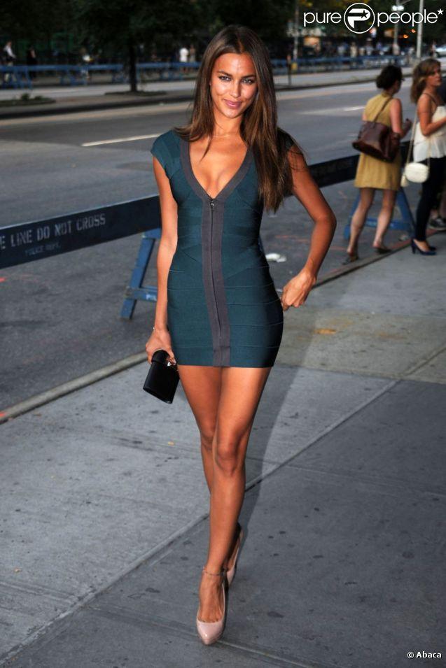 Irina Shayk dévoile sans pudeur son corps de rêve dans des tenues moulantes et sexy ! New York, 28 juin 2010