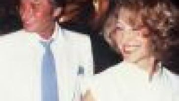 Nathalie Baye, sa «parenthèse heureuse» avec Johnny Hallyday : elle se livre sur leur couple