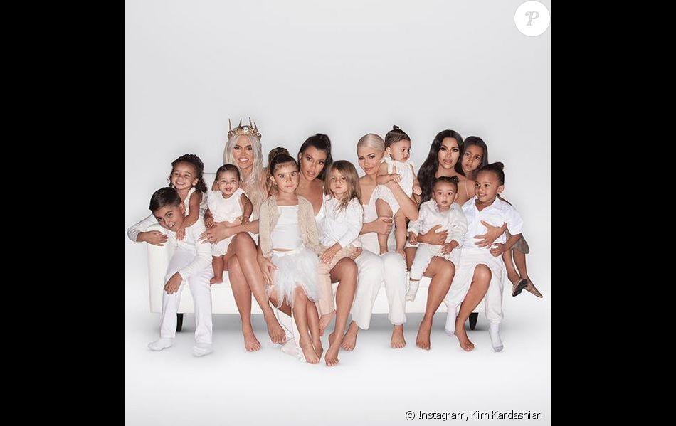 Les Kardashian North Stormi Et Leurs Cousins Stars De