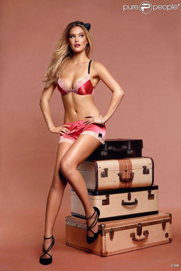 Bar Refaeli, plus sexy que jamais, pose pour la campagne automne-hiver 2012 de Passionata.