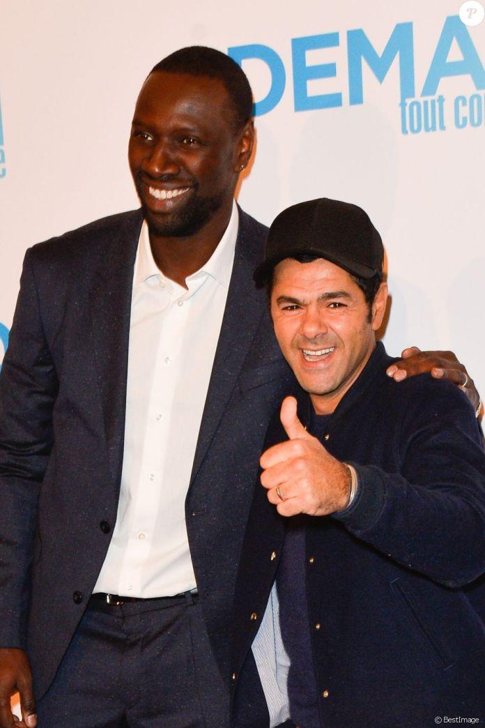 """Omar Sy, Jamel Debbouze - Avant première du film """"Demain tout commence"""" au Grand Rex à Paris le 28 novembre 2016. © Coadic Guirec/Bestimage"""