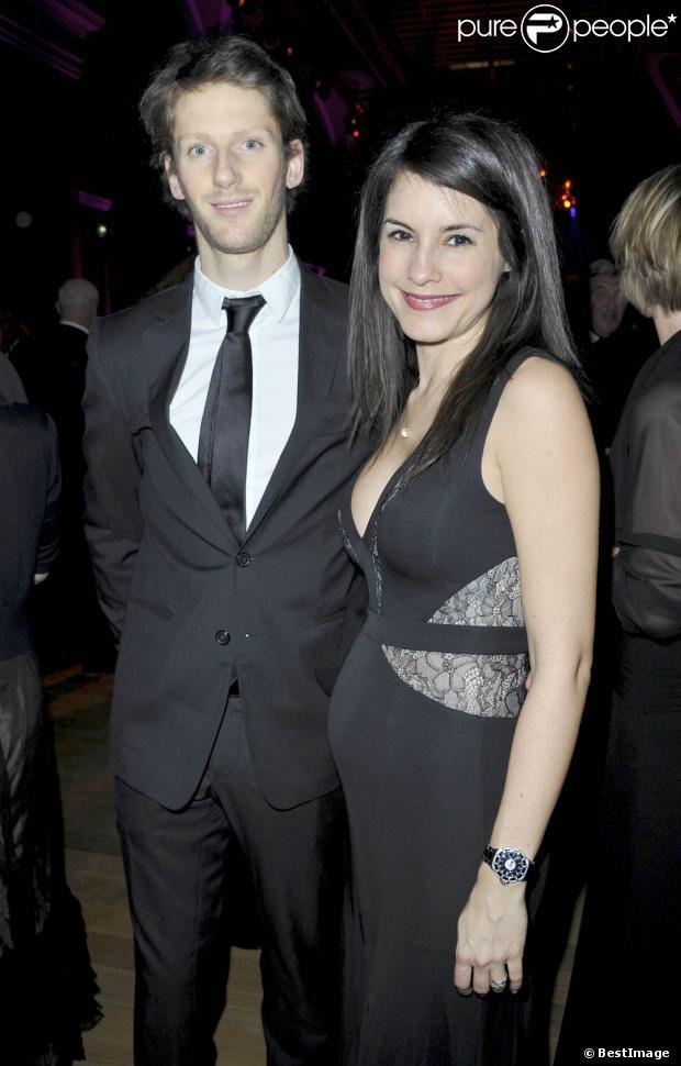 Marion Jollès-Grosjean, enceinte, et son mari Romain Grosjean lors du dîner de Gala du 92e Grand Prix d'Amérique au Grand Palais à Paris le 26 Janvier 2013.
