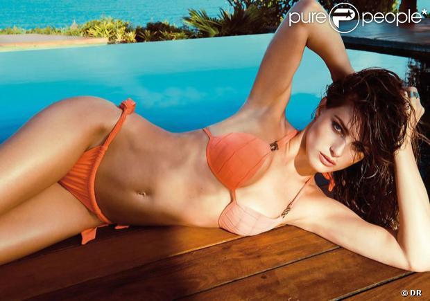 Isabeli Fontana rend hommage à son Brésil natal et pose pour Morena Rosa Beach collection été 2013