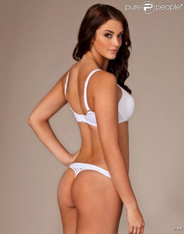 Lauren Budd prend la pose pour la marque de lingerie Nelly