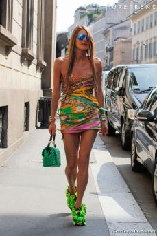 https://i1.wp.com/static1.puretrend.com/articles/2/66/63/2/@/721728-anna-dello-russo-637x0-2.jpg?resize=229%2C343