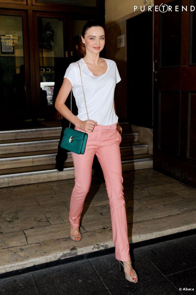 Miranda Kerr opte pour un look printanier dans les rues de Sydney, on adore.