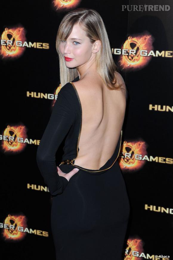 Jennifer Lawrence ultra-sexy dans une robe Tom Ford ...