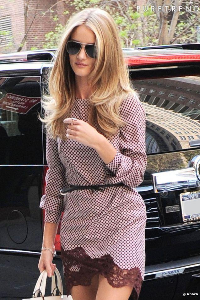 Rosie Huntington-Whiteley, sexy dans les rues de New York.