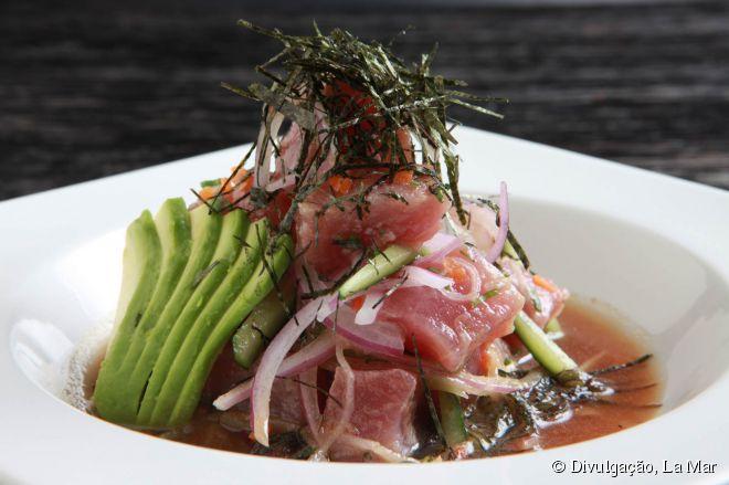 A especialidade do La Mar é a grande variedade de ceviches servidos que são preparados com ingredientes tradicionais ou com criações do chef