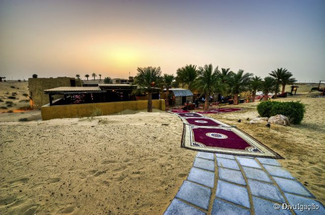 Dubai conta com diversos restaurantes únicos, como o Al Hadheerah (foto)
