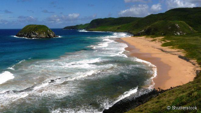 """A bela praia do Leão está localizada no chamado 'mar de fora"""" do arquipélago de Fernando de Noronha"""