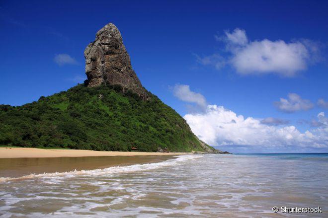 De fácil acesso, a praia da Conceição é uma das mais procuradas da ilha