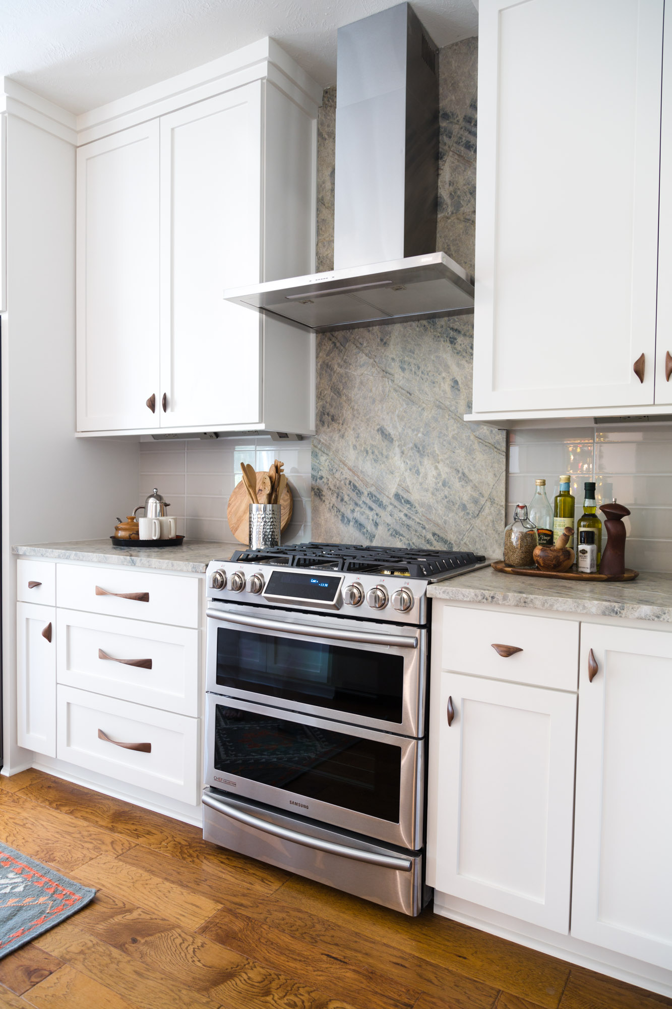 When To Use A Natural Stone Backsplash And When NOT To ... on Granite Countertops And Backsplash  id=94591