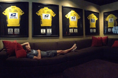 Armstrong tweeted this picture after being stripped of his 7 Tour de France titles.