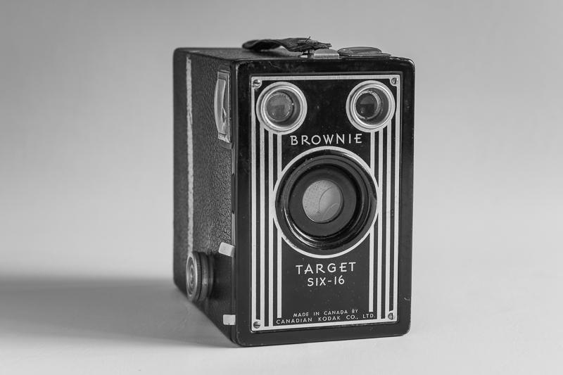 Kodak Brownie Target Six-16 (1946)