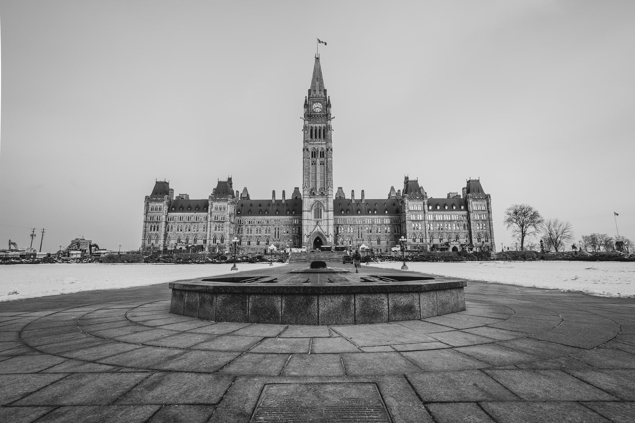 Parliament Hill (Centre Block) (1/320s, f/7.1, ISO100)