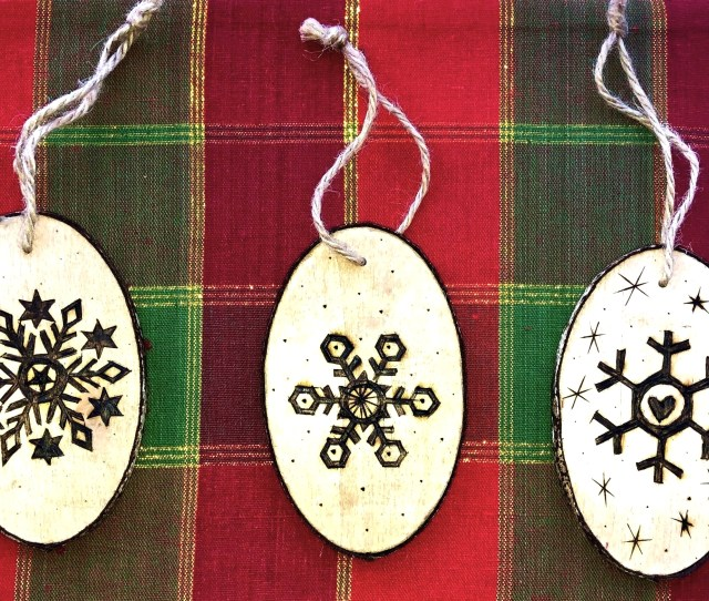 How To Wood Burn A Christmas Ornament