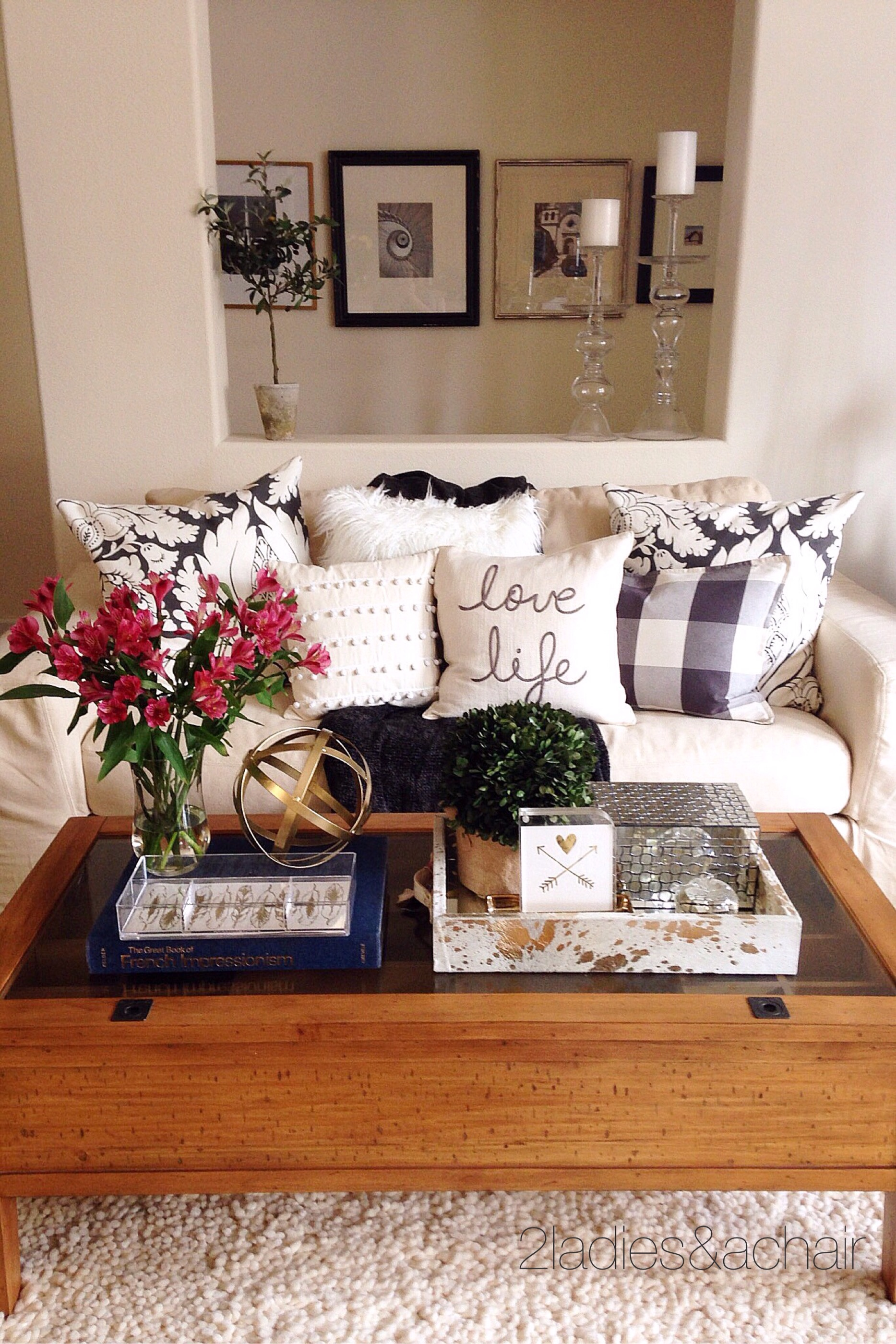 Decorating Your Coffee Table 2 Ladies Amp A Chair