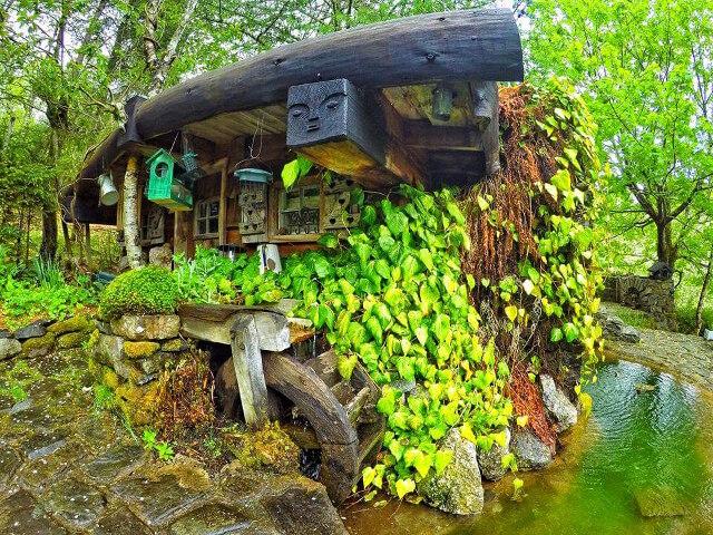 uncles-hobbit-house-3.jpg