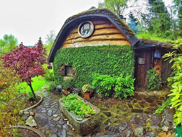 uncles-hobbit-house-6.jpg