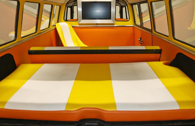 back-to-the-future-volkswagen-bus-12.jpg