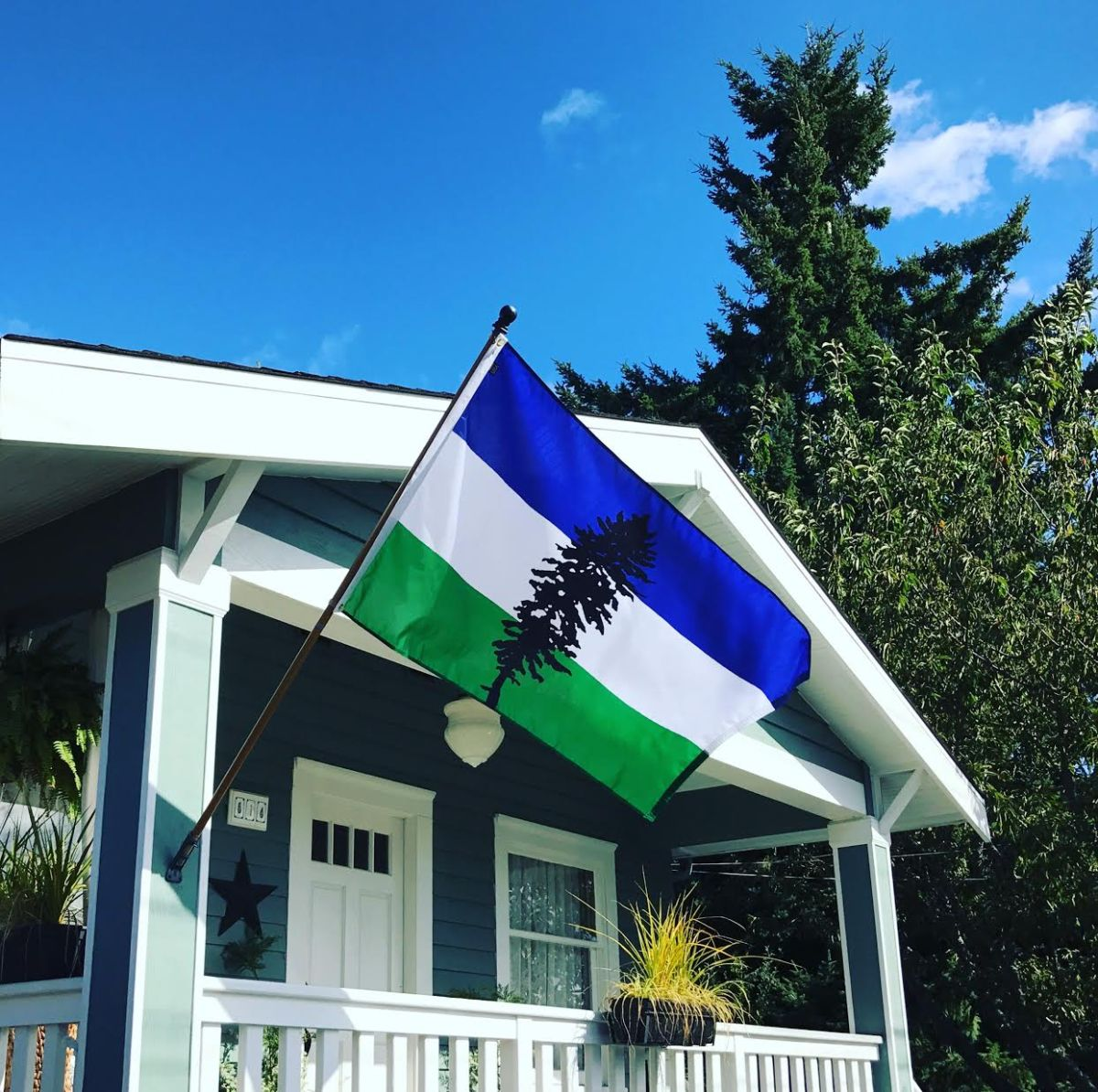 Photo: Seattle Flag Makers