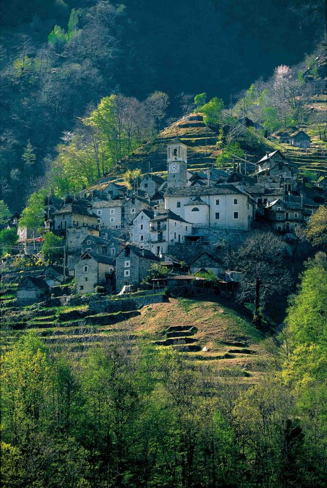 Corippo in the Versasca Valley, one of the most picturesque villages in the Ticino. Copyright by: Switzerland Tourism