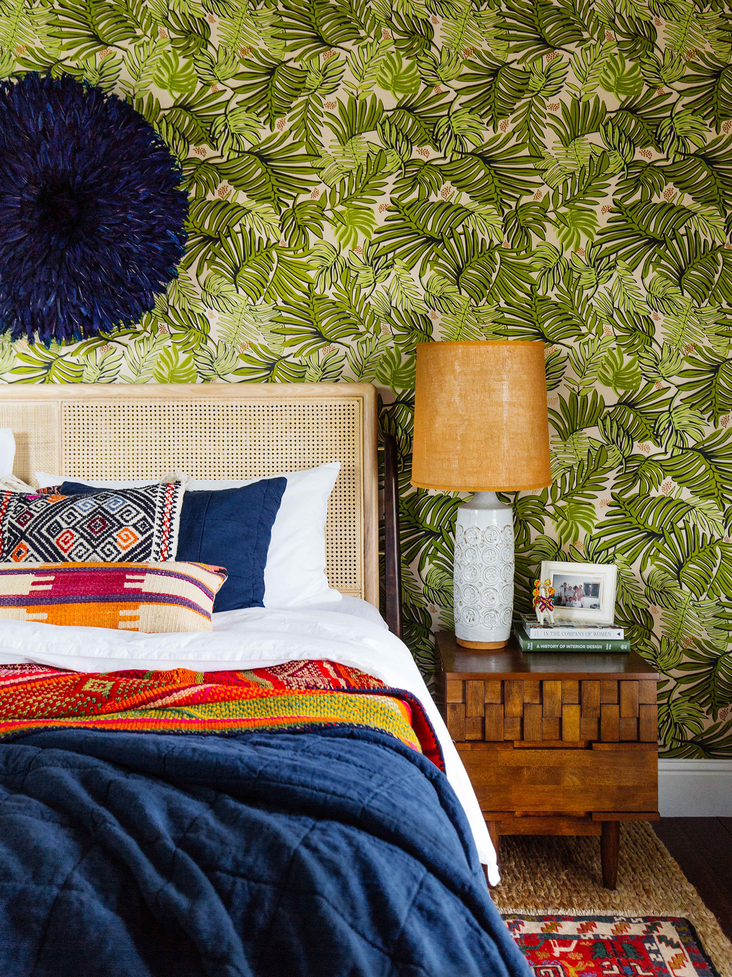 3 ways to style your pillows on a king size bed hepa