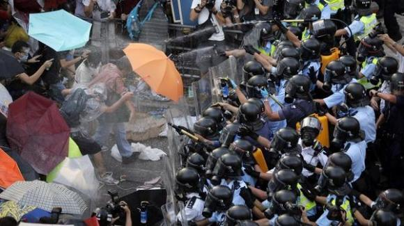 "Hong Kong's ""Umbrella Revolution"" + Instagram blocked.  Follow gulou on Tumblr for more."
