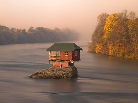 Walden-like river house in Serbia