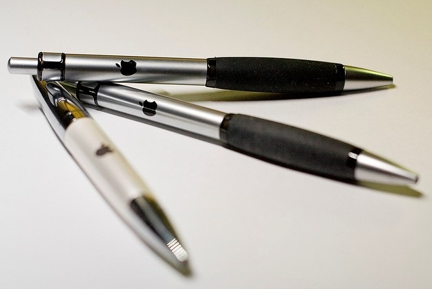 Apple may be making a smart pen.
