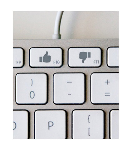 jaymug: Facebook Like and Dislike Shortcuts I wouldn't be surprised if this functionality gets included in iOS 6.