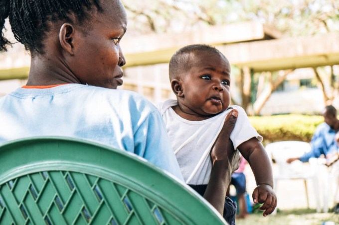 A HIV positive mother with her HIV negative baby at Mothers2Mothers Project, Kisumu, Kena