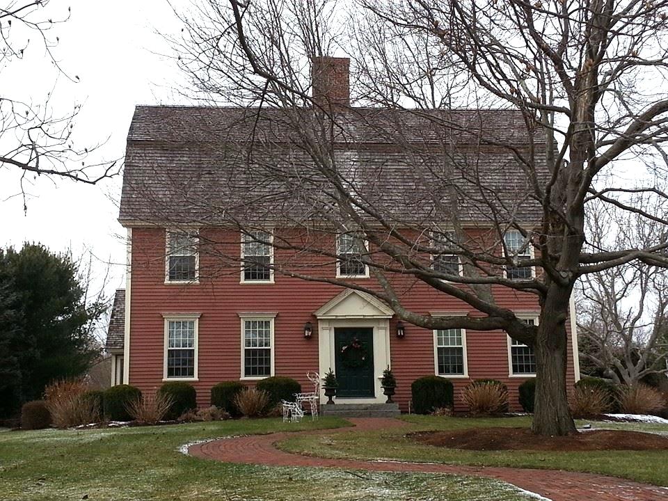 The Gambrel Colonial Exterior Trim And Siding The Gambrelcolonial Widows And Doors The