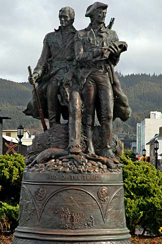 Lewis_and_Clark_Statue_(Clatsop_County,_Oregon_scenic_images)_(clatD0006).jpg