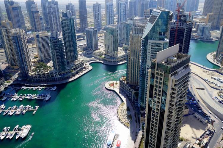 Útsýni úr íbúðinni í Canyan Twisting Tower - Yfir Dubai Marina