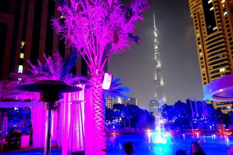 Einn af mínum uppáhalds hótelbörummeð útsýni yfir Burj Khalifa