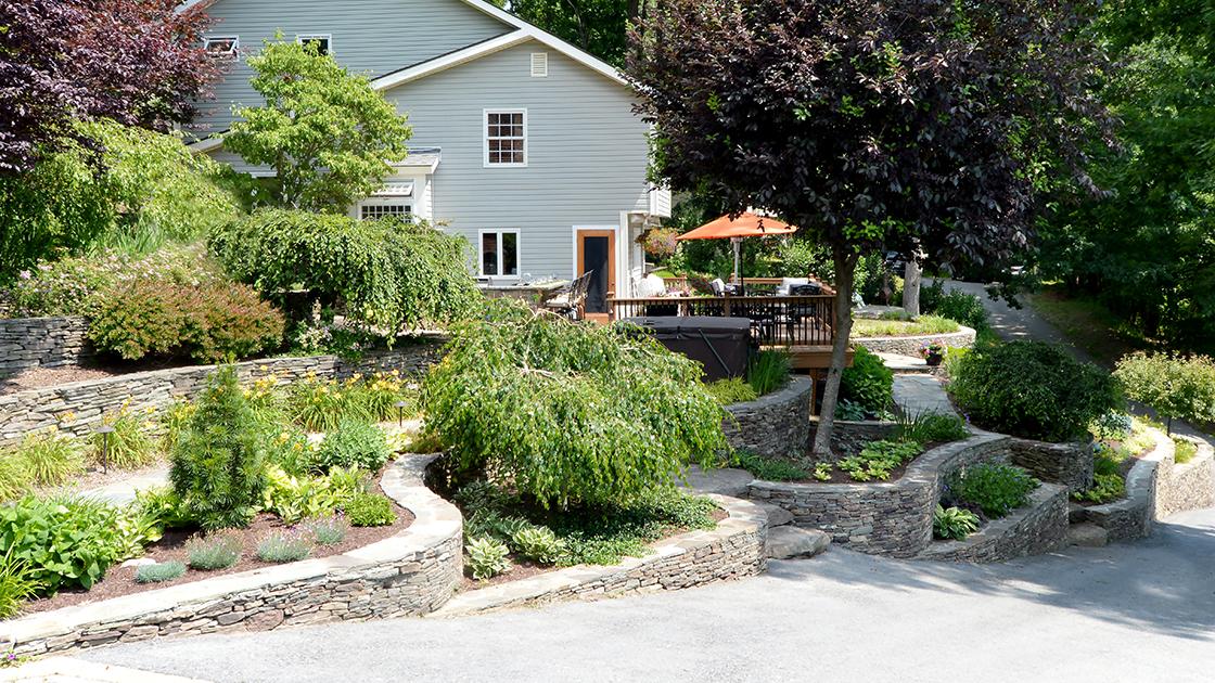 Backyard Landscaping Ideas Sloped Yard on Sloped Yard Ideas id=71938