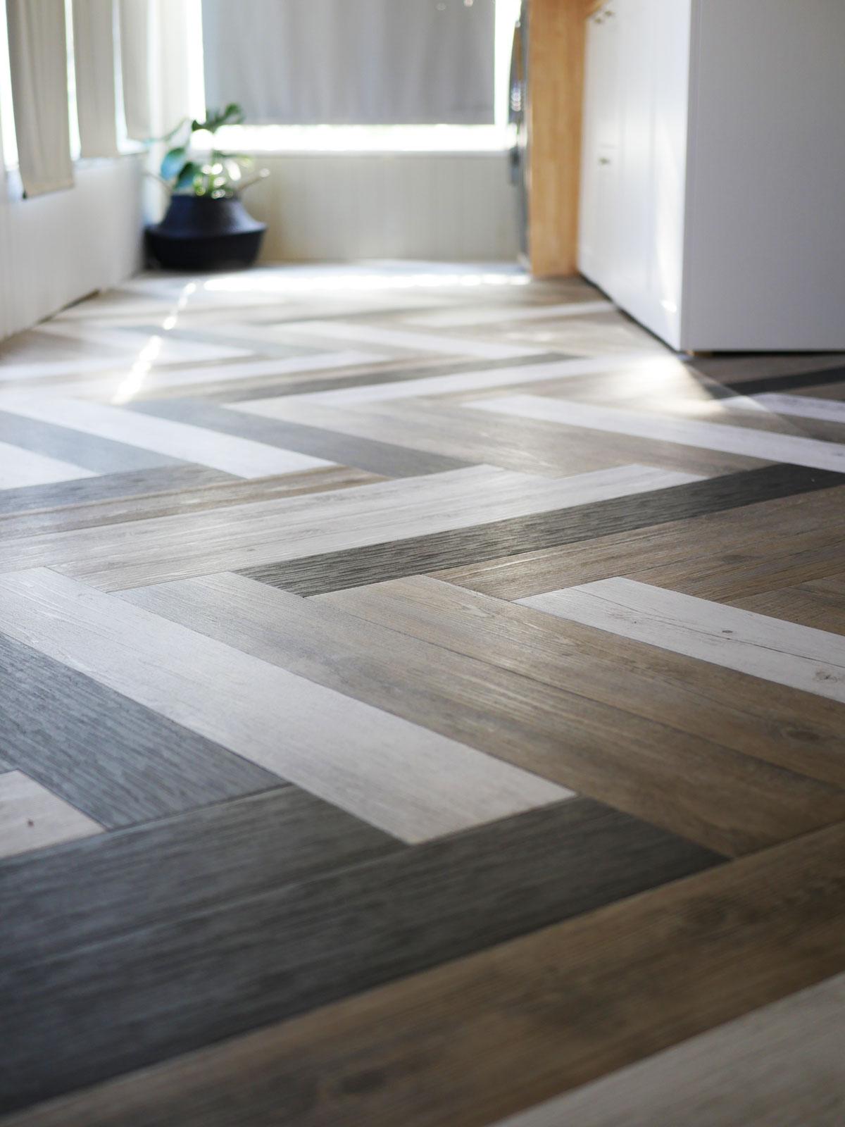 Tile Floor Designs Kitchen