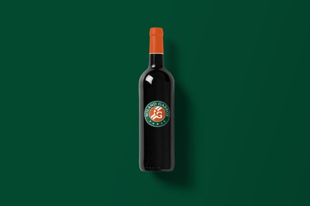 Wine-Bottle-Mockup_rolandg.jpg