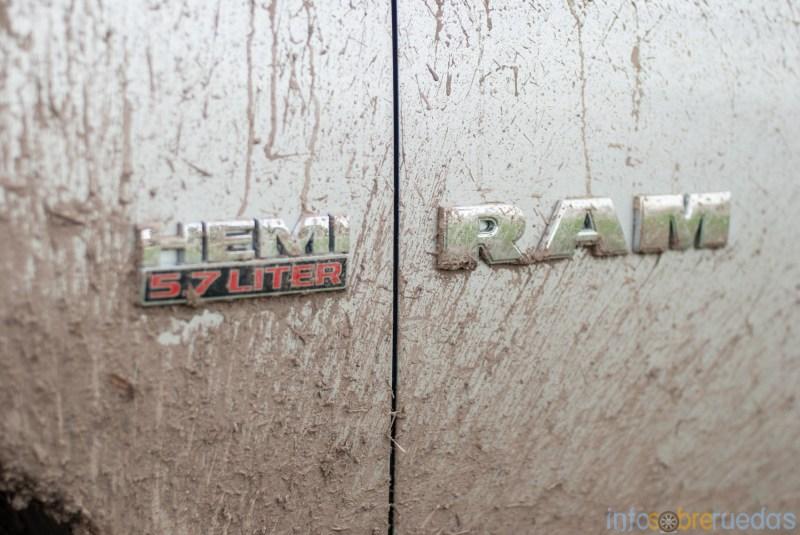 Test: RAM 1500 Laramie 5.7 V8 HEMI 126
