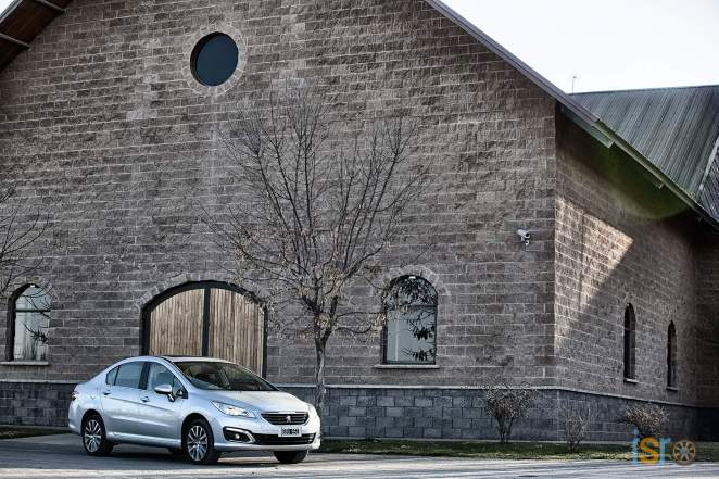 Nuevo+Peugeot+408+%289%29+%28Copiar%29