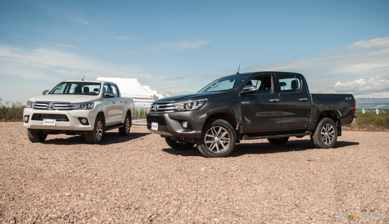 Contacto: Toyota Hilux 2016 24