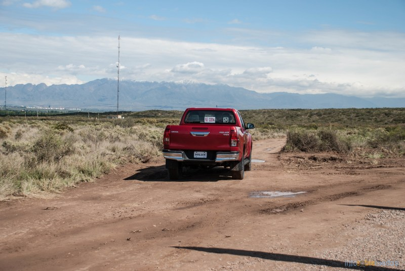Contacto: Toyota Hilux 2016 29