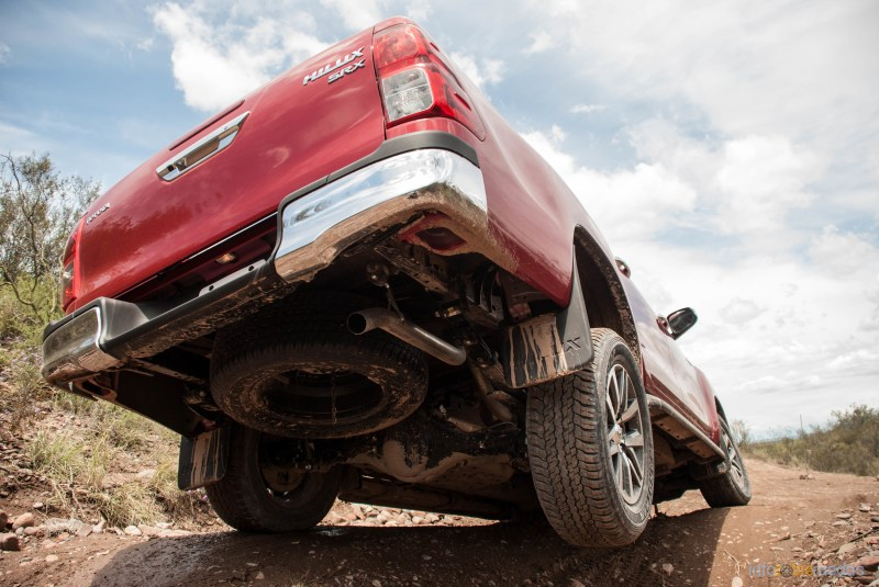 Contacto: Toyota Hilux 2016 5