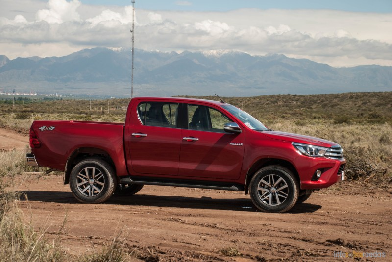 Contacto: Toyota Hilux 2016 45
