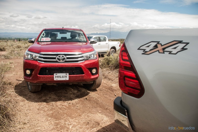Contacto: Toyota Hilux 2016 49