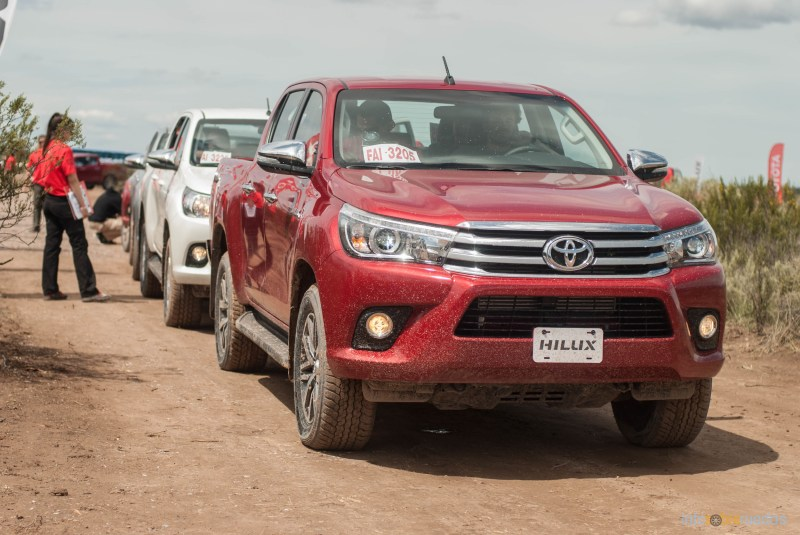 Contacto: Toyota Hilux 2016 50