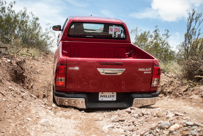 Contacto: Toyota Hilux 2016 67